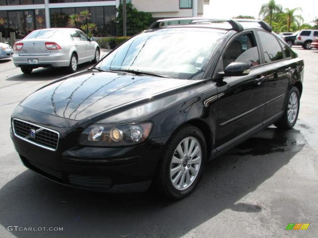 black 2005 volvo s40 exterior photo 49127305. Black Bedroom Furniture Sets. Home Design Ideas