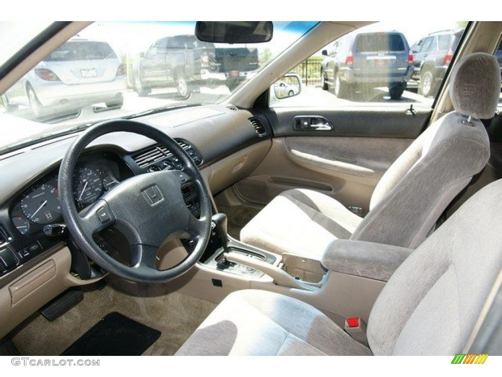 beige interior 1995 honda accord lx wagon photo 49160558