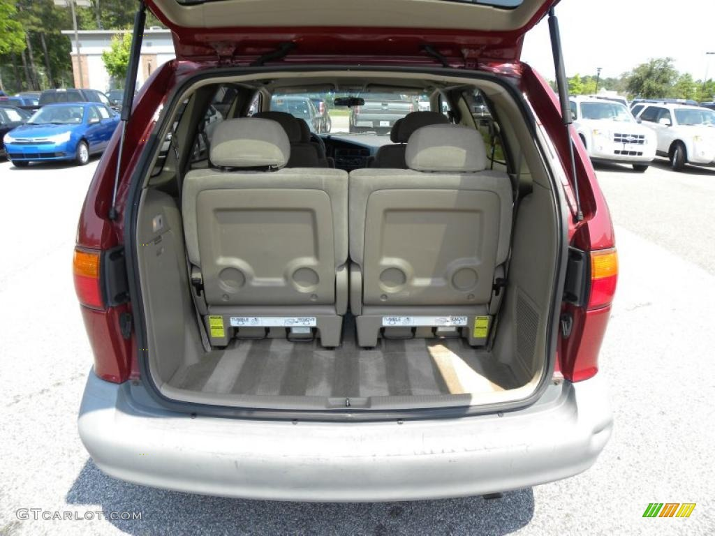 1998 toyota sienna le trunk photo 49164446