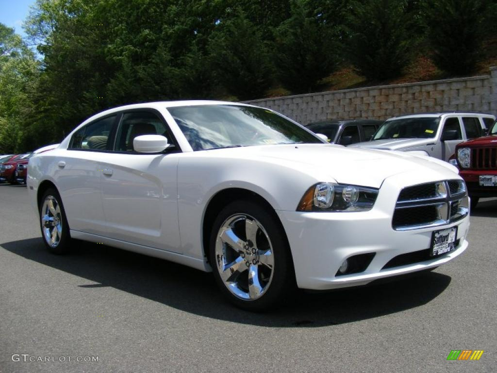 2011 charger rallye plus bright white blacklight frost beige photo 2 - White Dodge Charger