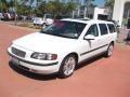White 2001 Volvo V70 T5