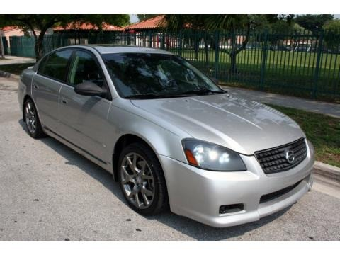 Amazing 2005 Nissan Altima 3.5 SE R Data, Info And Specs