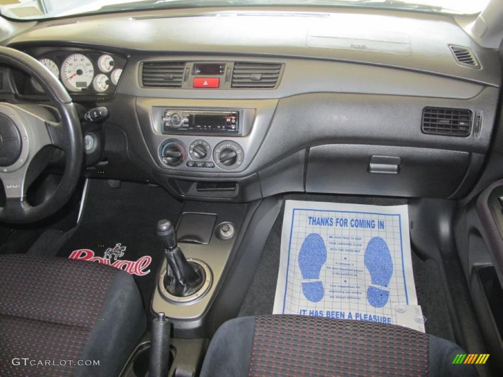 2005 Mitsubishi Lancer RALLIART interior Photo 49289981