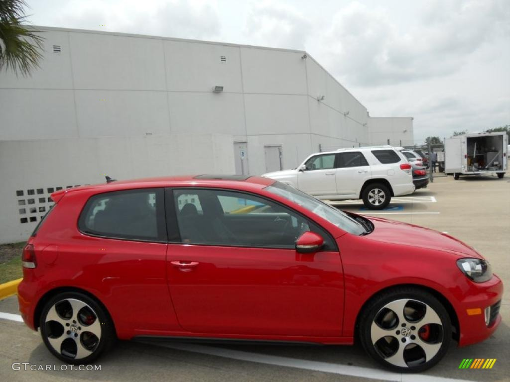 tornado red 2011 volkswagen gti 2 door exterior photo. Black Bedroom Furniture Sets. Home Design Ideas