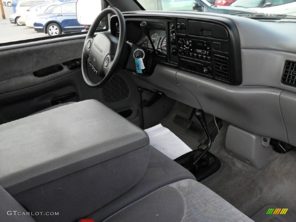 1994 dark silver metallic dodge ram 1500 slt regular cab for Dark grey interior