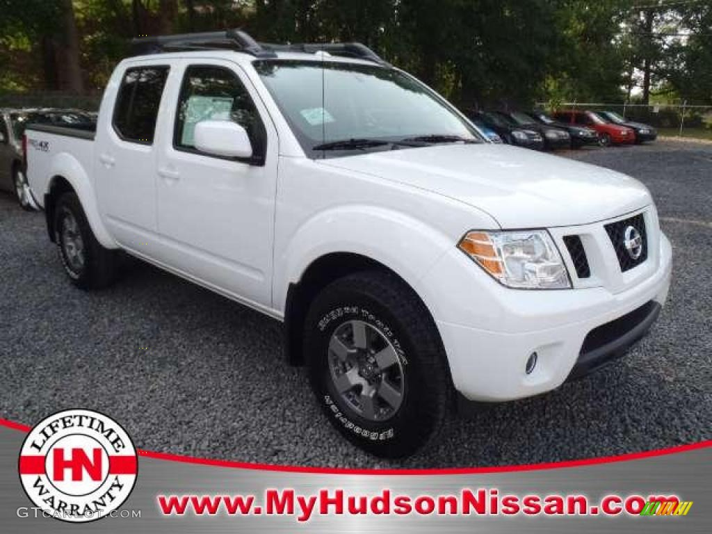 2011 avalanche white nissan frontier pro 4x crew cab 4x4 49299330 avalanche white nissan frontier vanachro Gallery