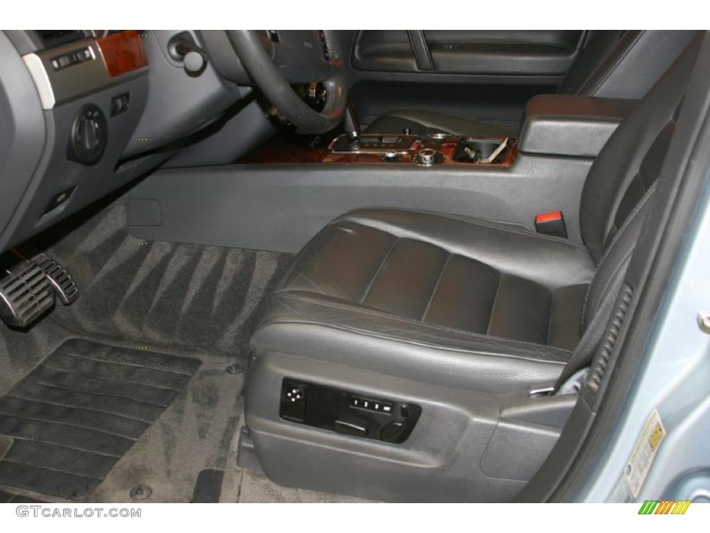 Anthracite Interior 2004 Volkswagen Touareg V8 Photo 49309686