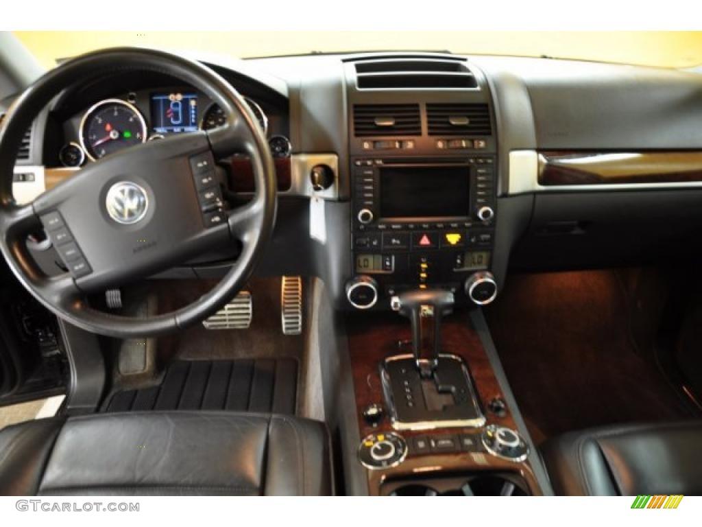 2004 Volkswagen Touareg V10 TDI Anthracite Dashboard Photo