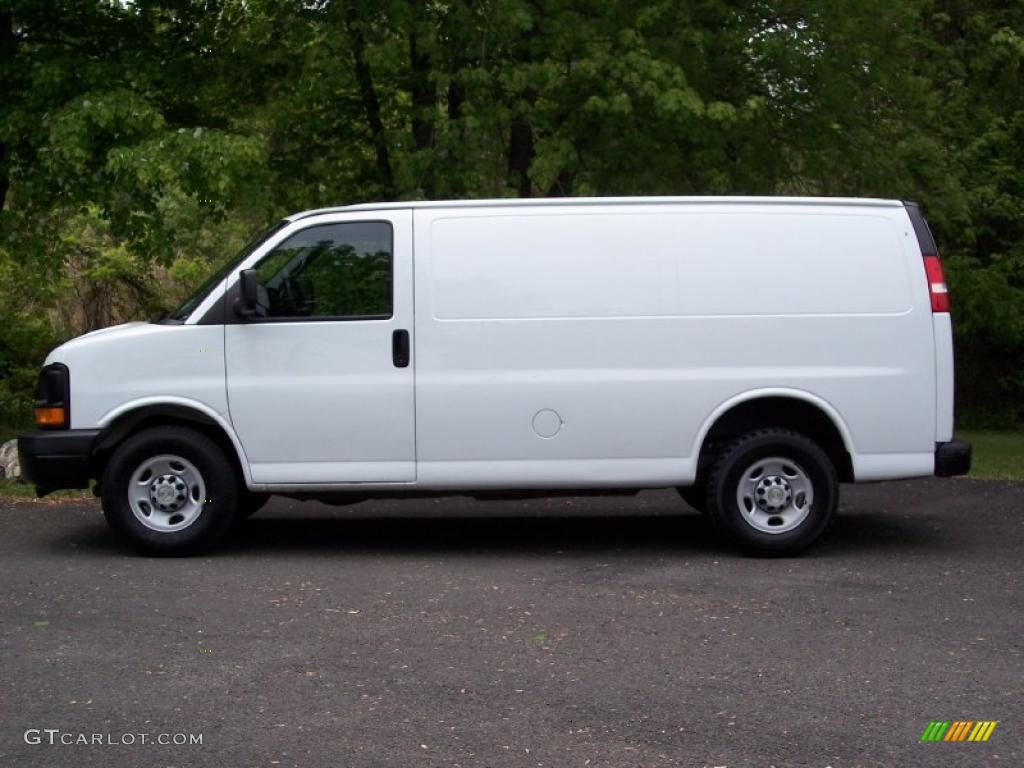 summit white 2008 chevrolet express 2500 commercial van. Black Bedroom Furniture Sets. Home Design Ideas