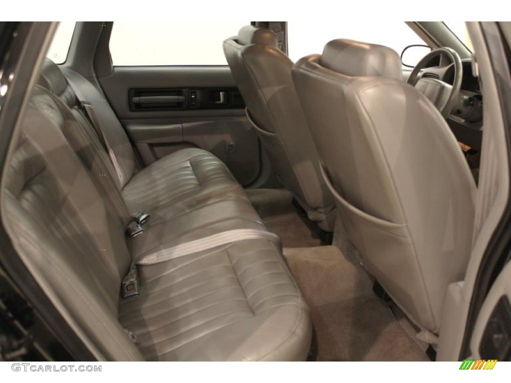Interior 49358749 also 2003 Chevrolet Impala LS Pictures T2016 pi35959782 besides 1961 CHEVROLET IMPALA 2 DOOR 49680 further 1963 Chevrolet Impala Ss additionally Engine 53086850. on 2003 chevy impala interior