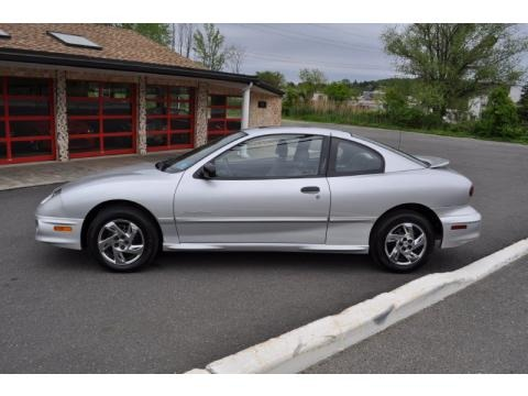 2002 pontiac sunfire se coupe data info and specs. Black Bedroom Furniture Sets. Home Design Ideas