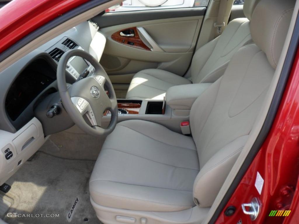 Bisque Interior 2010 Toyota Camry Xle V6 Photo 49371710