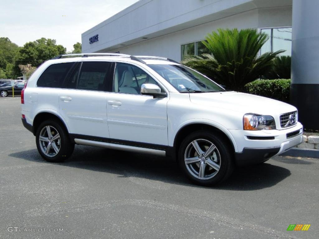 ice white 2011 volvo xc90 3 2 r design awd exterior photo 49408893. Black Bedroom Furniture Sets. Home Design Ideas