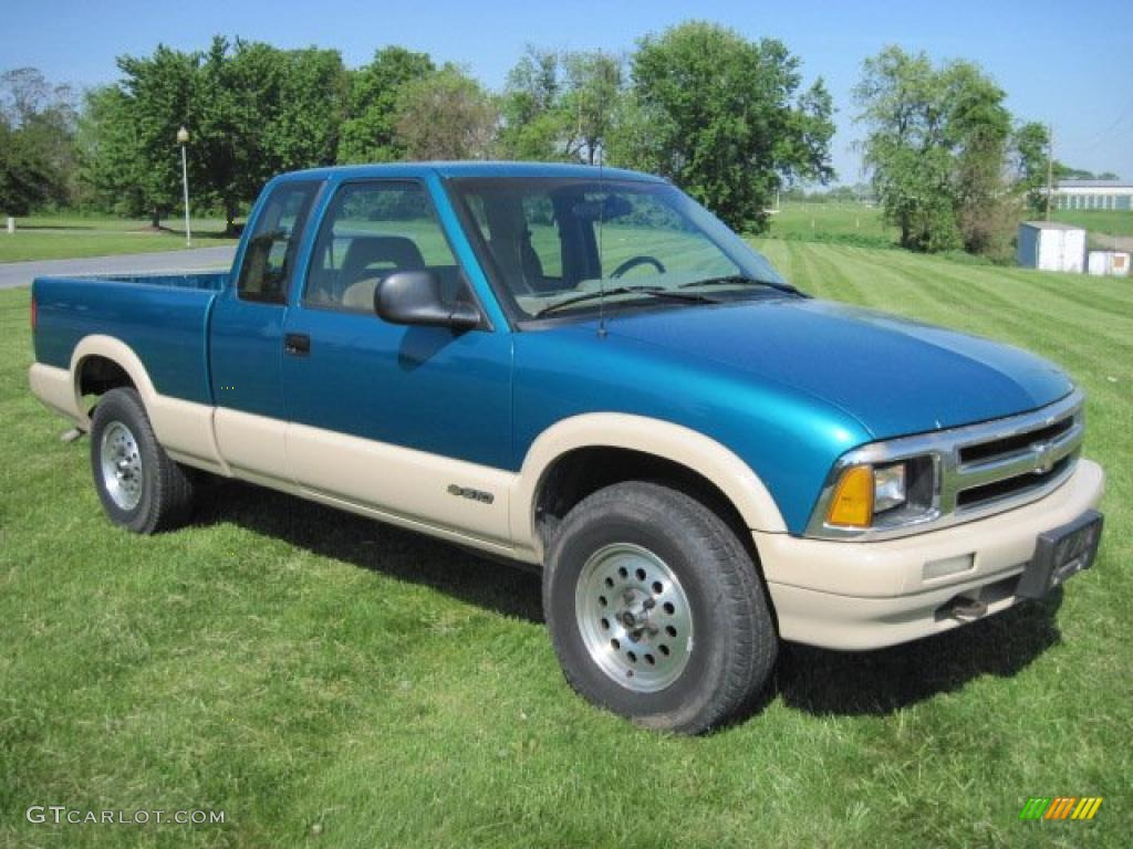 Bright teal metallic chevrolet s10