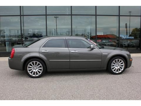 2009 chrysler 300 c hemi heritage edition data info and specs. Black Bedroom Furniture Sets. Home Design Ideas
