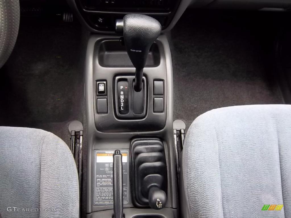 2002 Suzuki XL7 4x4 Transmission Photos