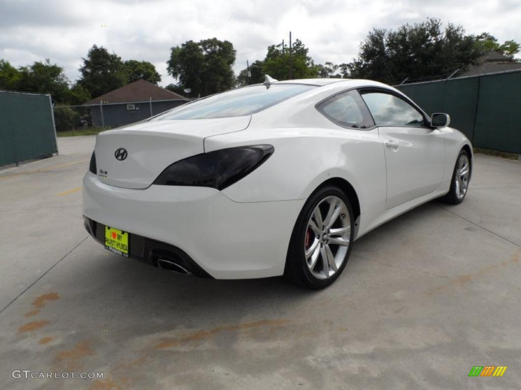 Karussell White 2010 Hyundai Genesis Coupe 2 0t Track Exterior Photo 49551176 Gtcarlot Com