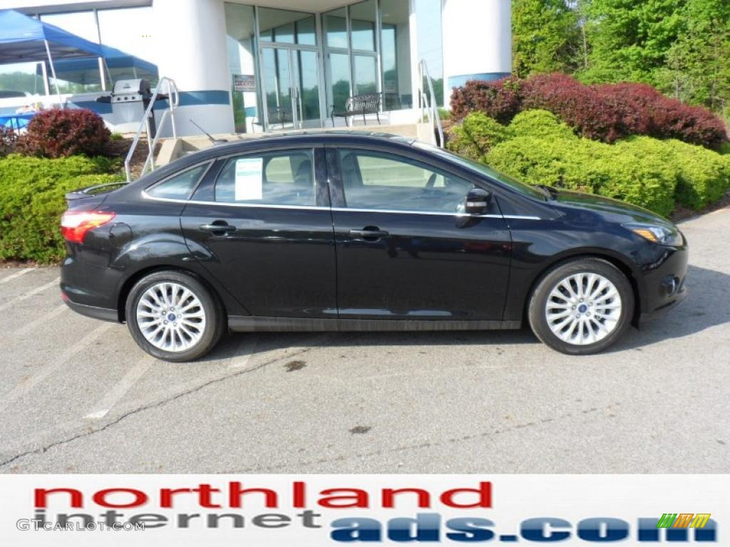 2012 Focus Titanium Sedan - Tuxedo Black Metallic / Charcoal Black photo #1