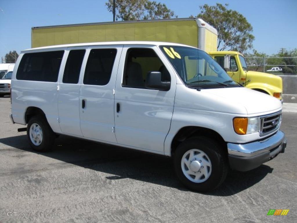 White Passenger Van 2006 Oxford Whi...