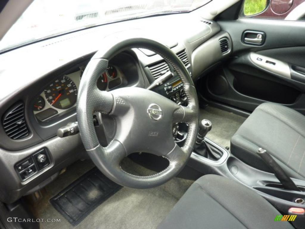 Charcoal Interior 2006 Nissan Sentra Se R Spec V Photo