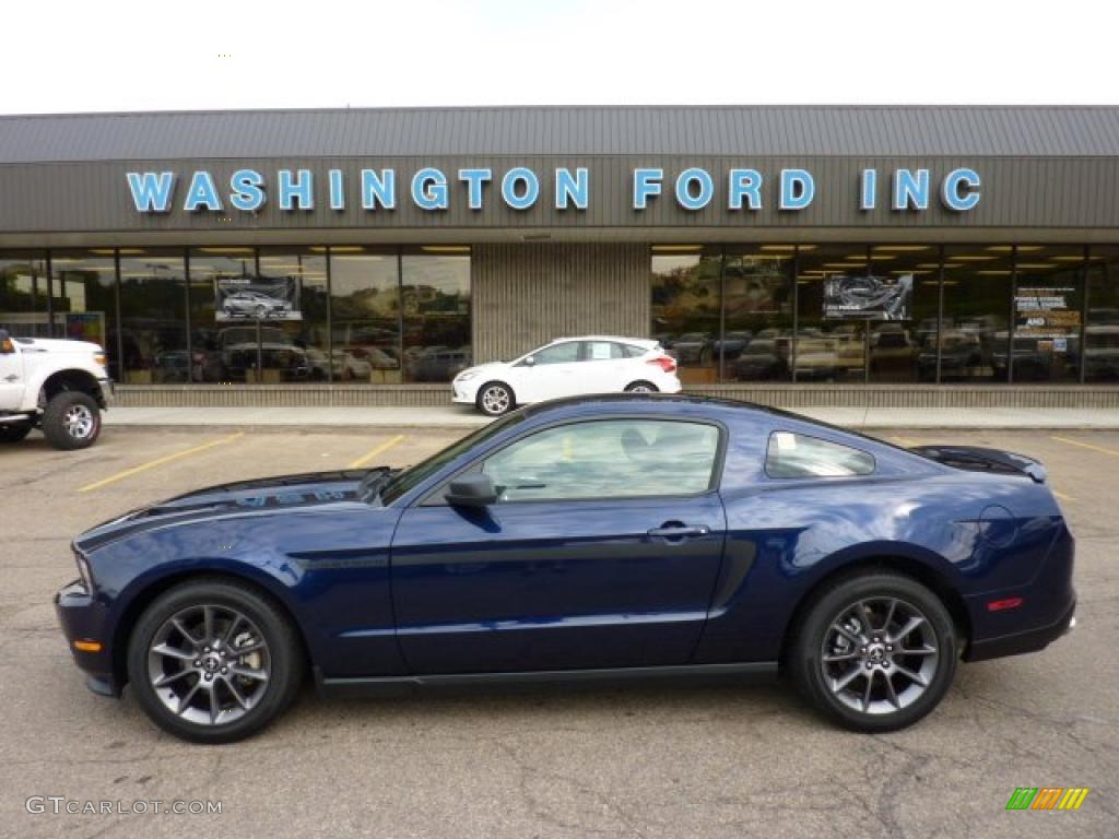 Kona blue metallic ford mustang