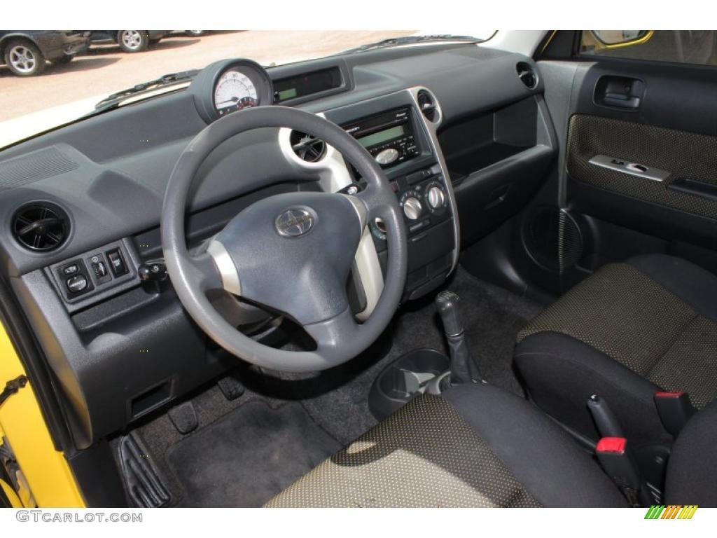 Scion Xb 2005 Interior Images