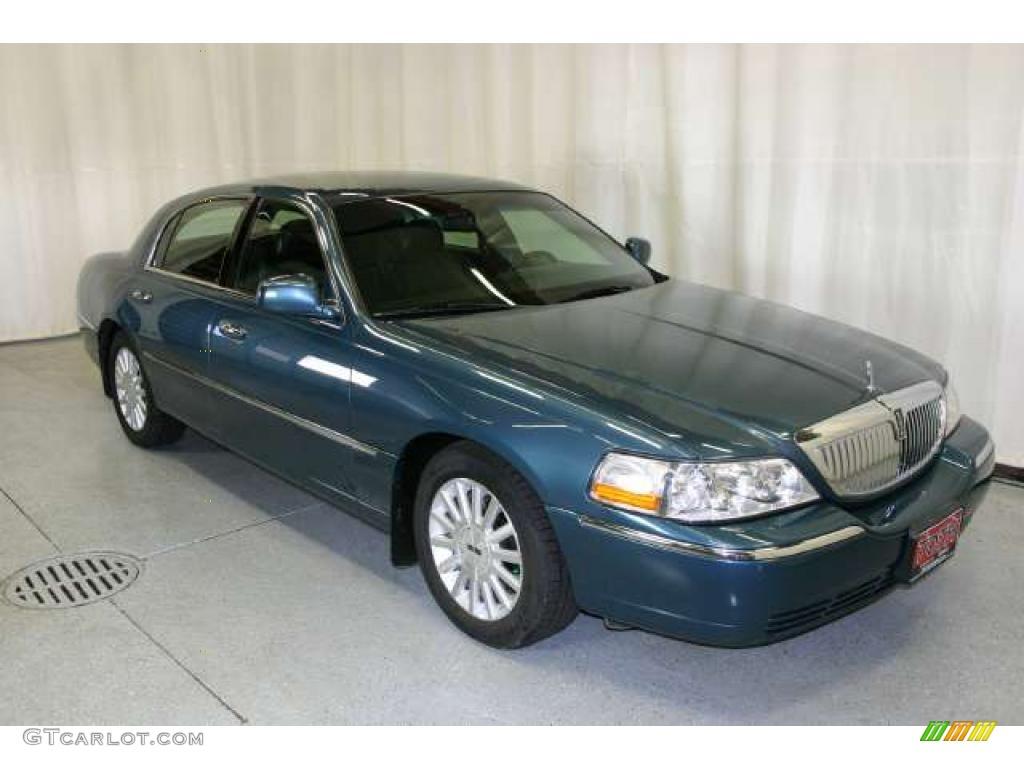 2003 Medium Steel Blue Metallic Lincoln Town Car Executive 49695047