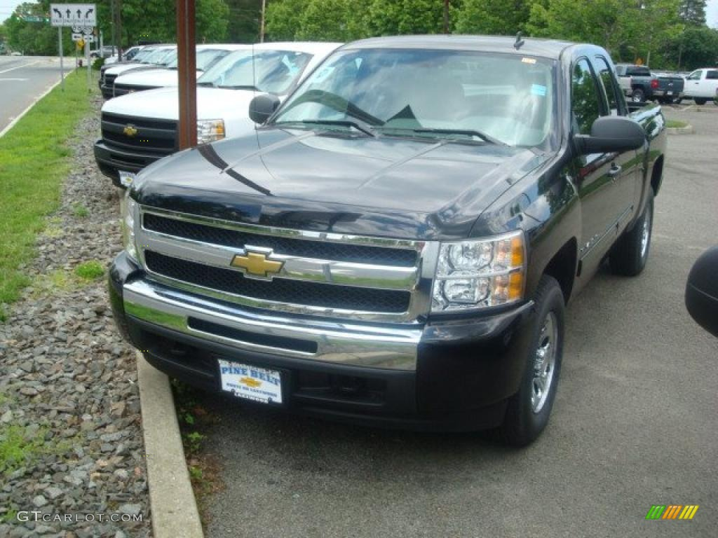 2011 Silverado 1500 LS Extended Cab 4x4 - Black / Dark Titanium photo #1