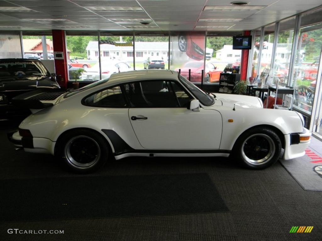 grand prix white 1980 porsche 911 turbo coupe exterior photo 49775560. Black Bedroom Furniture Sets. Home Design Ideas
