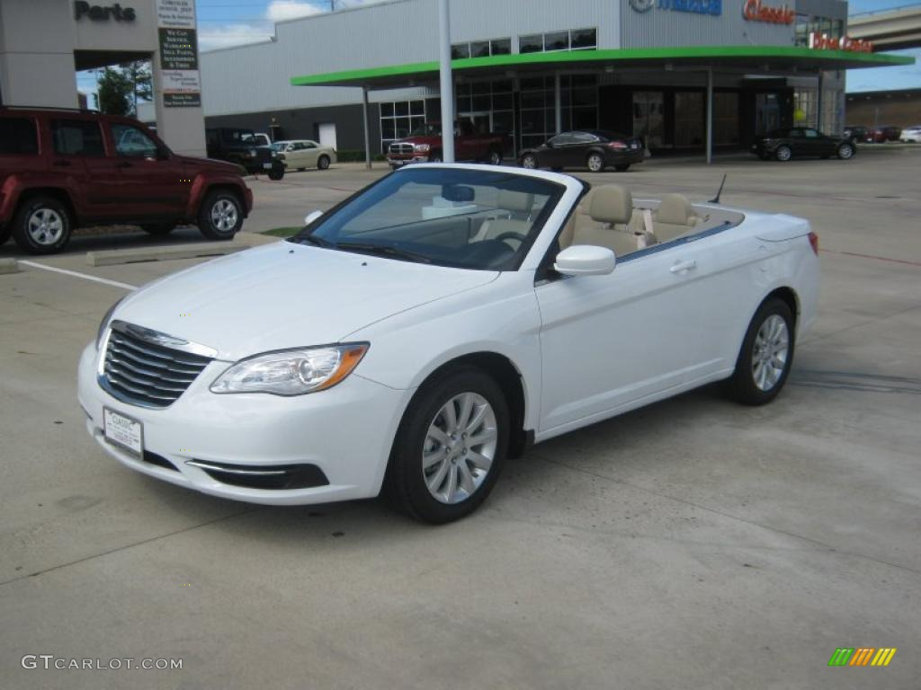 bright white 2011 chrysler 200 touring convertible. Black Bedroom Furniture Sets. Home Design Ideas