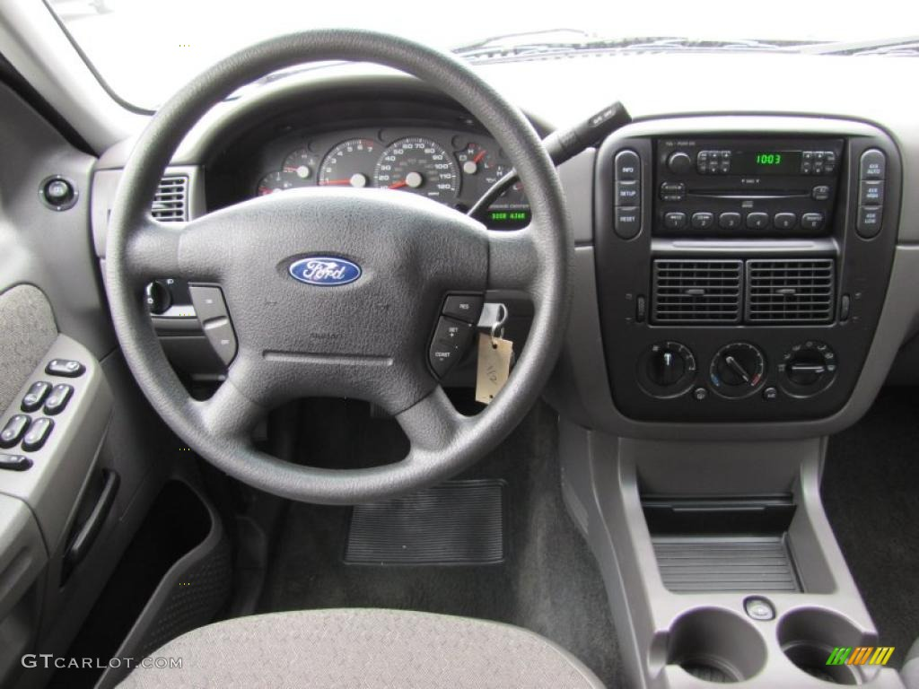 2005 Ford Explorer XLT 4x4 Graphite Dashboard Photo 49849339