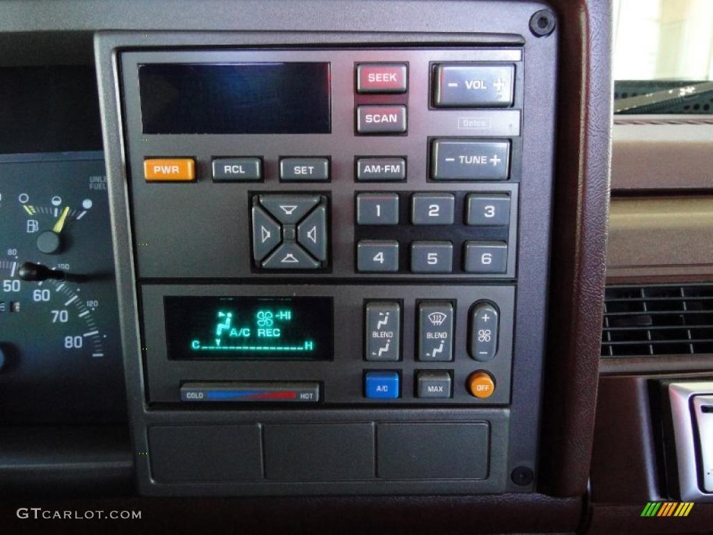 1993 GMC Sierra 1500 SLE Regular Cab Controls Photo