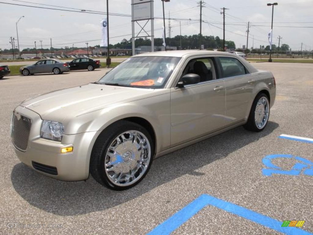 2006 Chrysler 300 Standard 300 Model Custom Wheels Photo