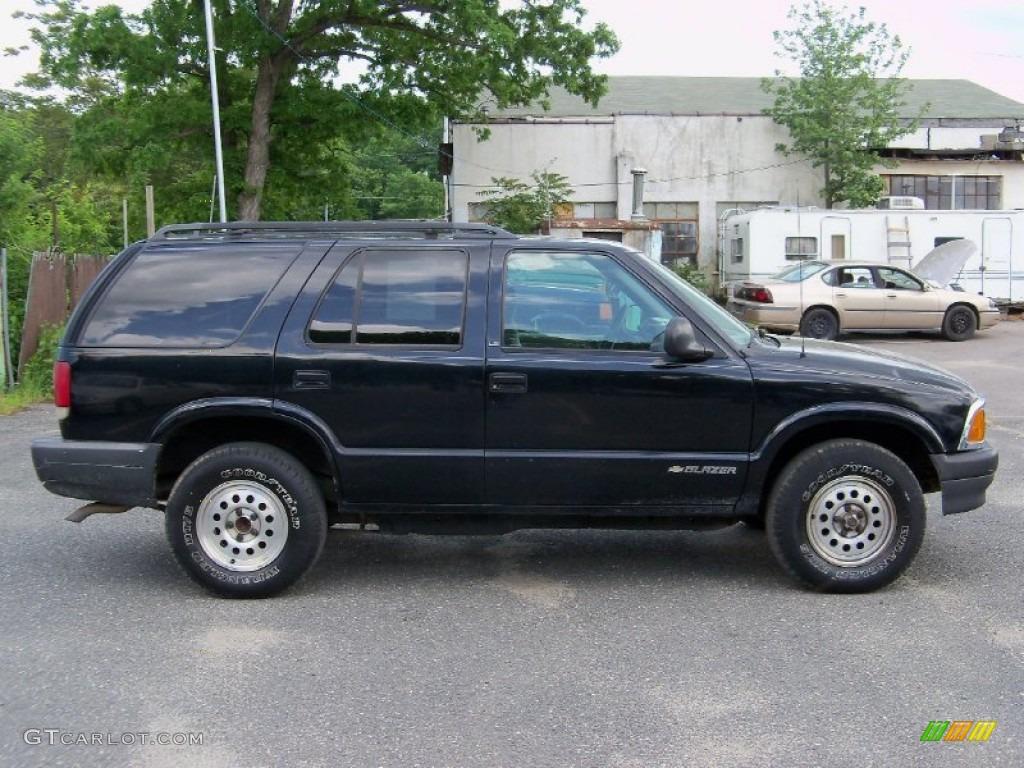 onyx black 1996 chevrolet blazer 4x4 exterior photo 49947512 rh gtcarlot com Chevy S10 Blazer 87 Chevy Blazer 4x4