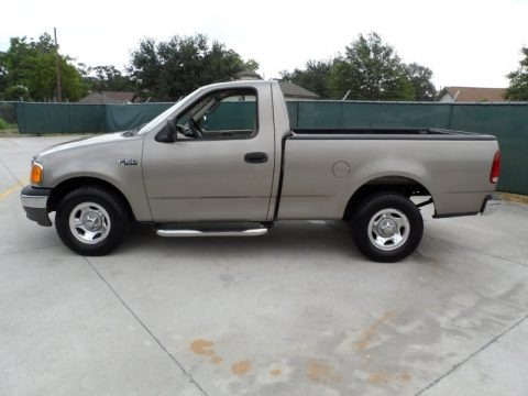 2004 ford f150 xl heritage regular cab data info and specs. Black Bedroom Furniture Sets. Home Design Ideas
