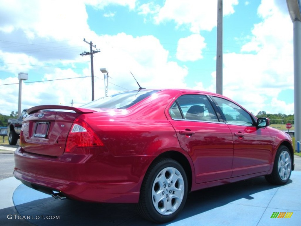 2011 Fusion SE - Red Candy Metallic / Charcoal Black photo #3