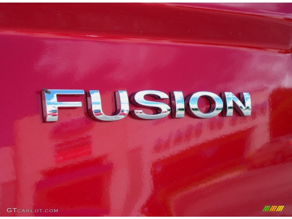 2011 Fusion SE - Red Candy Metallic / Charcoal Black photo #4