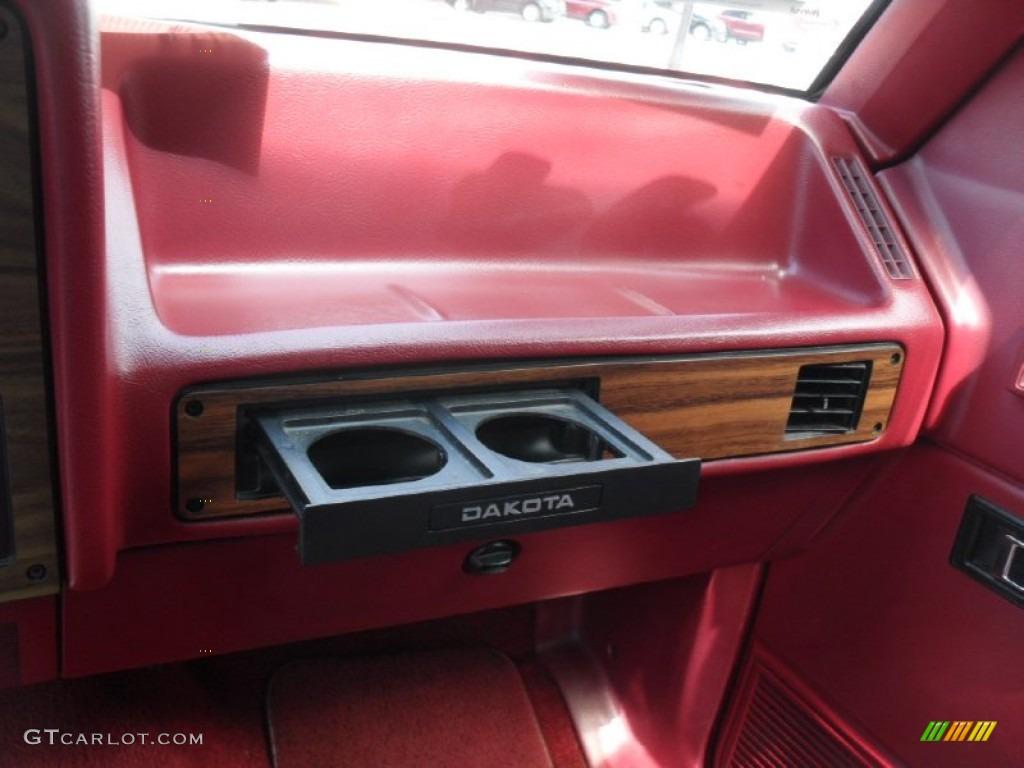 on 2001 Dodge Dakota Red