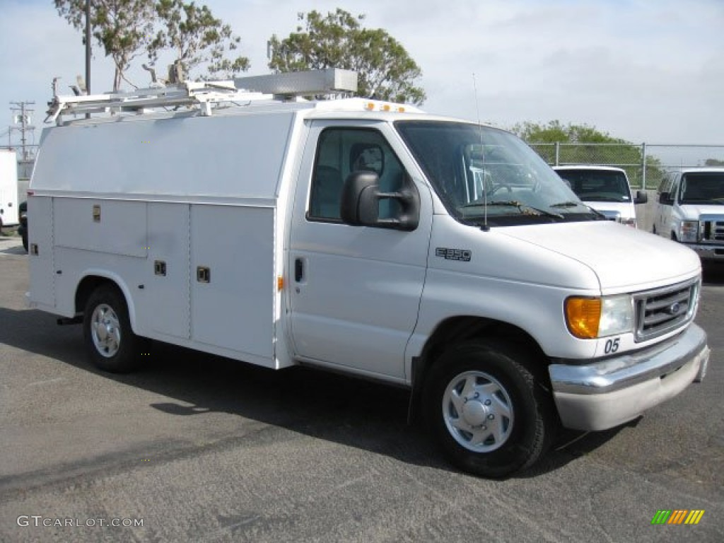 2004 Oxford White Ford E Series Cutaway E350 Commercial