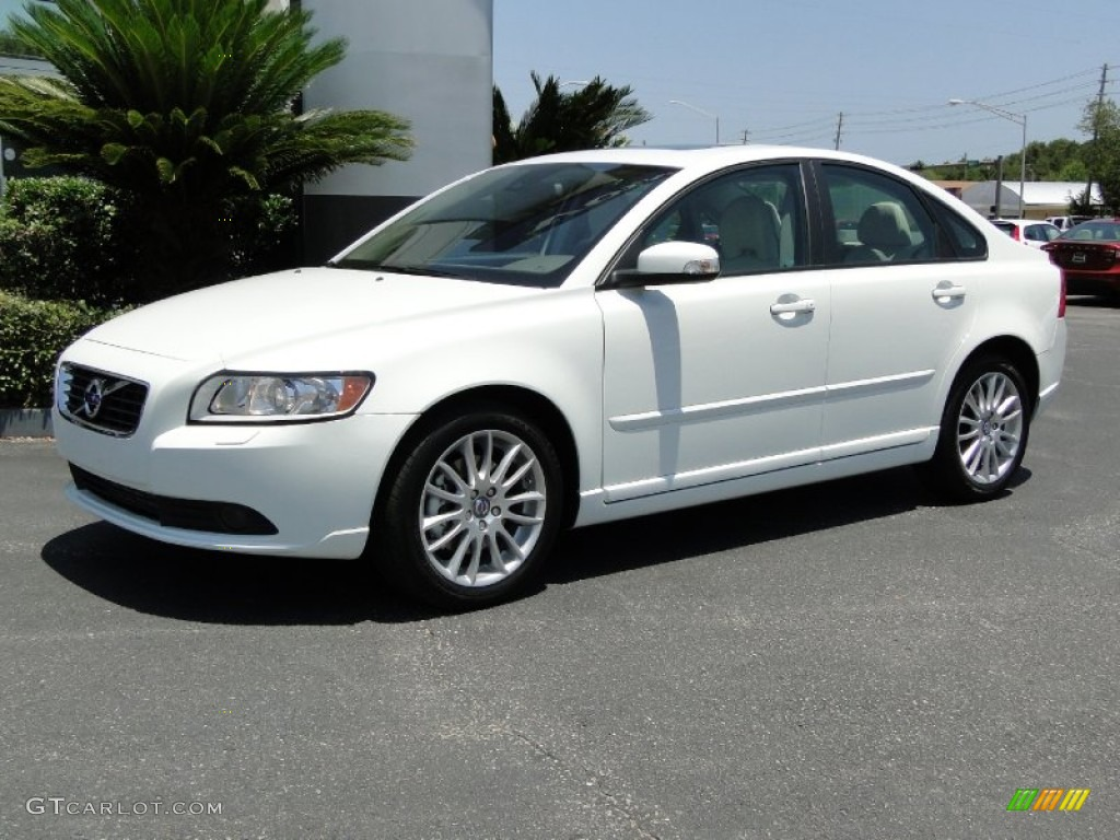 ice white 2011 volvo s40 t5 exterior photo 50072353. Black Bedroom Furniture Sets. Home Design Ideas