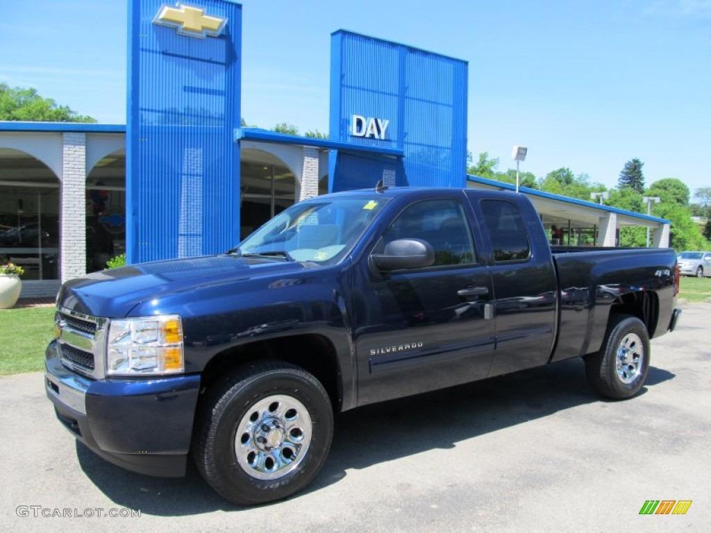 2011 Silverado 1500 LS Extended Cab 4x4 - Imperial Blue Metallic / Dark Titanium photo #1