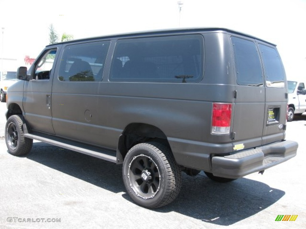 Black 2003 ford e series van e350 super duty commercial 4x4 exterior photo 50129967