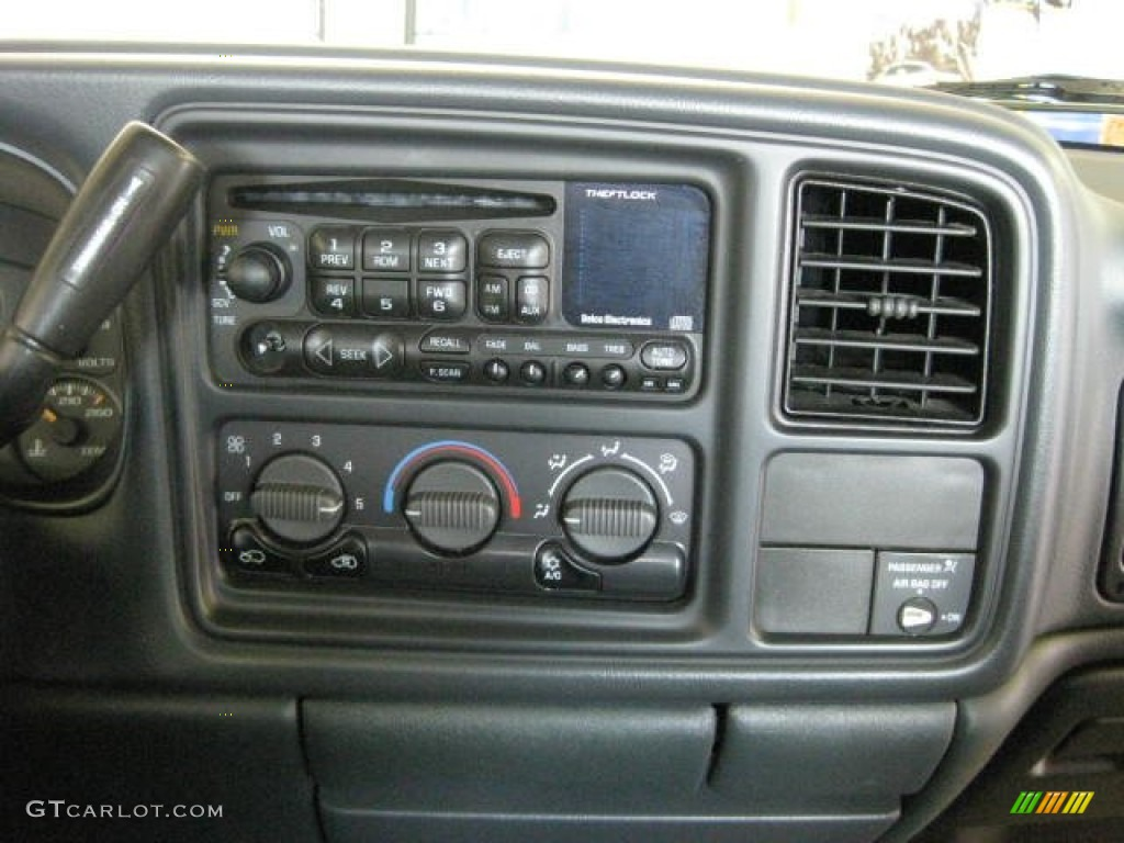 2002 Chevrolet Silverado 1500 LS Extended Cab 4x4 Controls Photo #50190405