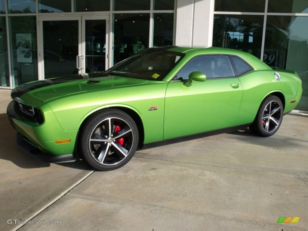 Green with envy 2011 dodge challenger srt8 392 exterior photo 50203164