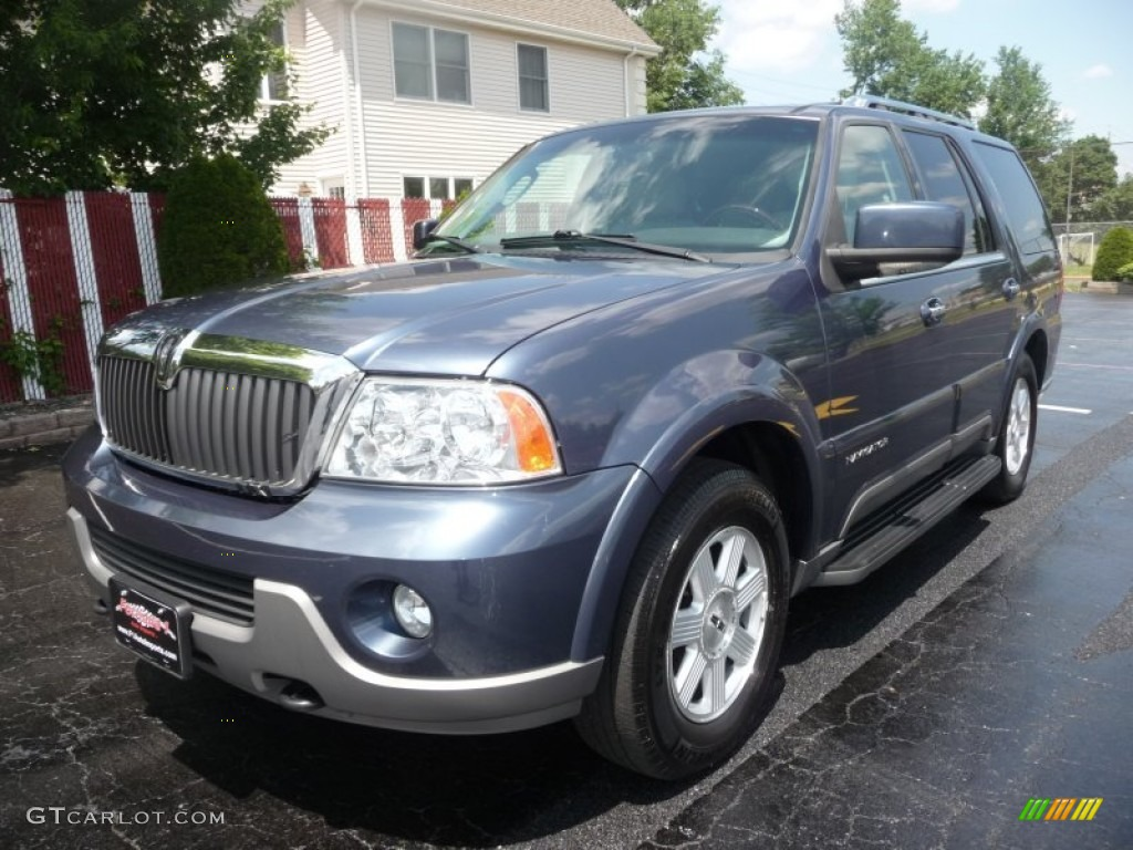 2004 medium wedgewood blue metallic lincoln navigator luxury 4x4 50191312 car. Black Bedroom Furniture Sets. Home Design Ideas