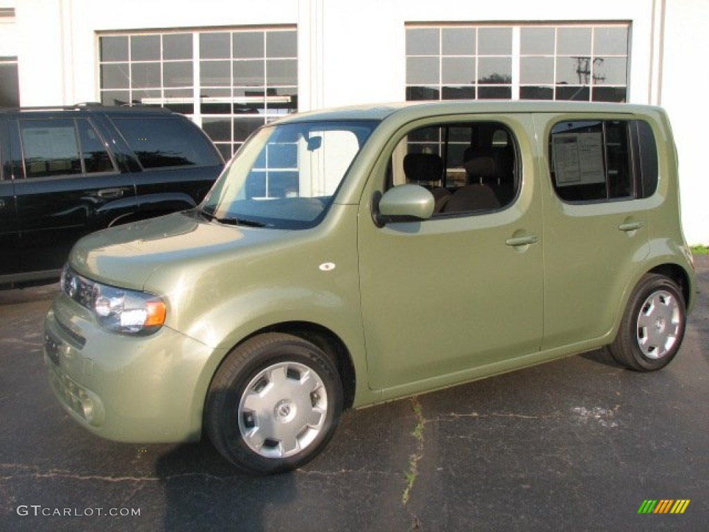 Moss Green Pearl Metallic Nissan Cube