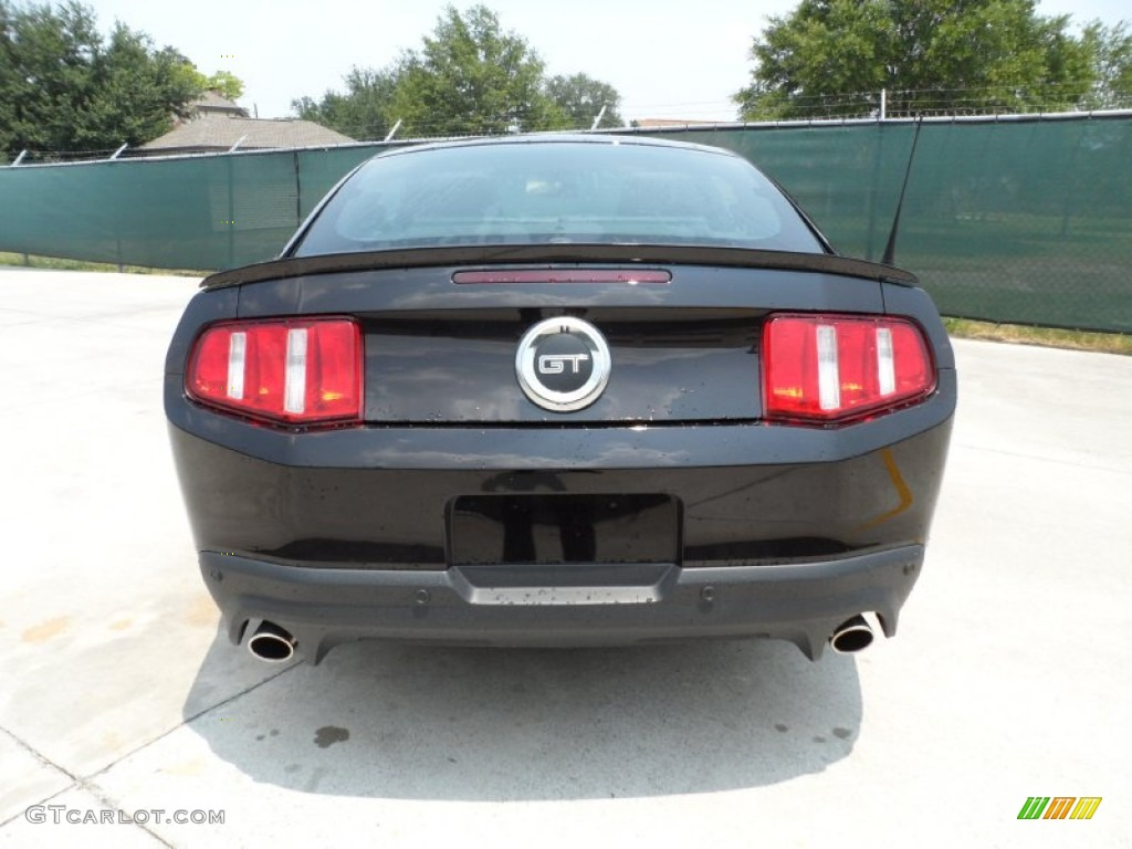 2012 Mustang GT Premium Coupe - Lava Red Metallic / Lava Red/Charcoal Black photo #4