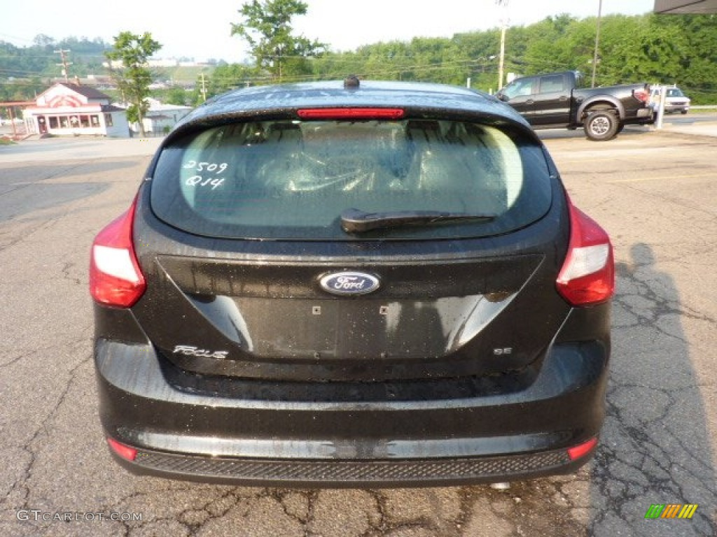 2012 Focus SE 5-Door - Tuxedo Black Metallic / Charcoal Black photo #3