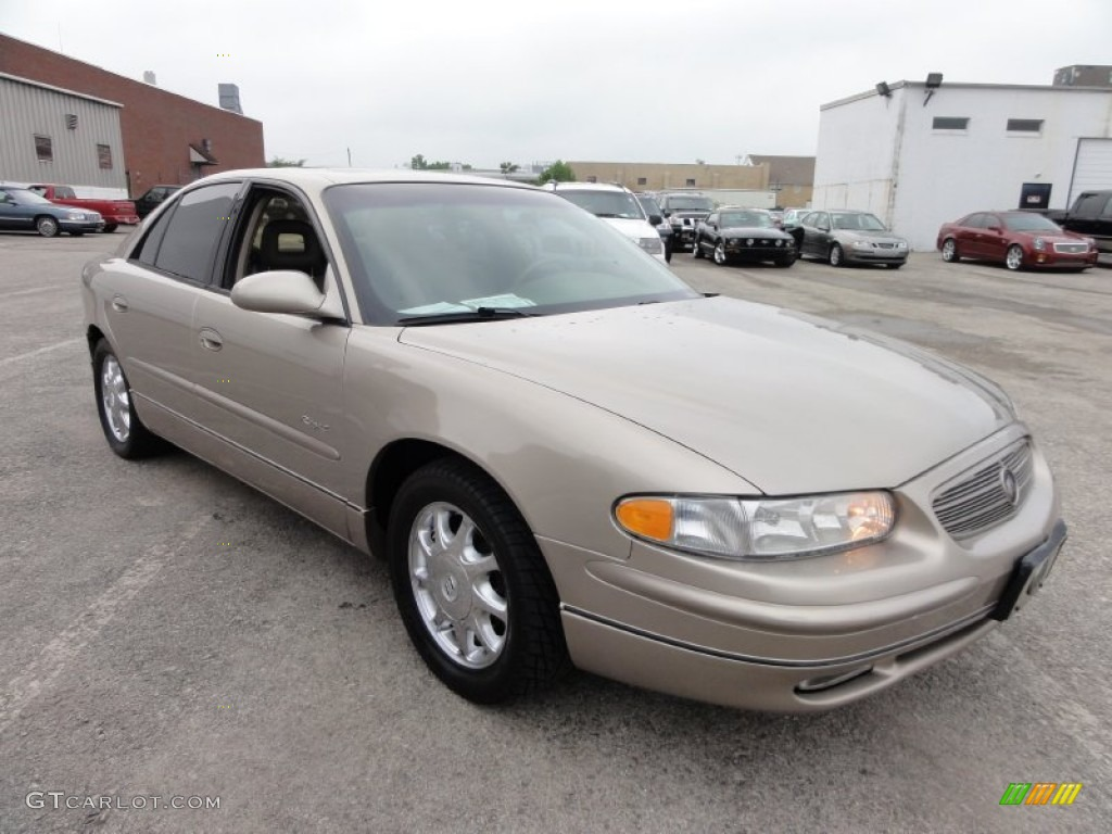 Light Sandrift Metallic 2000 Buick Regal Ls Exterior Photo