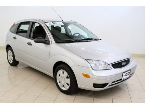2007 ford focus zx5 se hatchback data info and specs. Black Bedroom Furniture Sets. Home Design Ideas